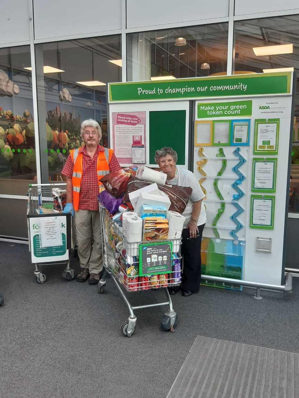 Generous gesture to food bank | Asda Tamworth
