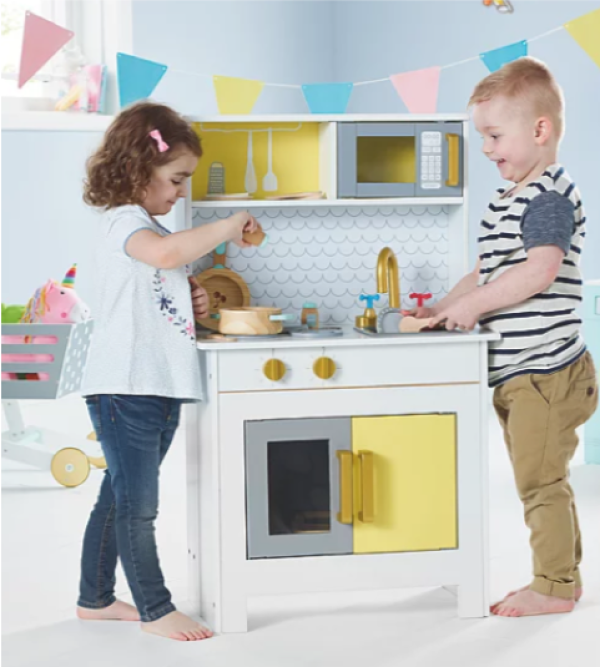 Wooden toys 2019 - foldaway kitchen