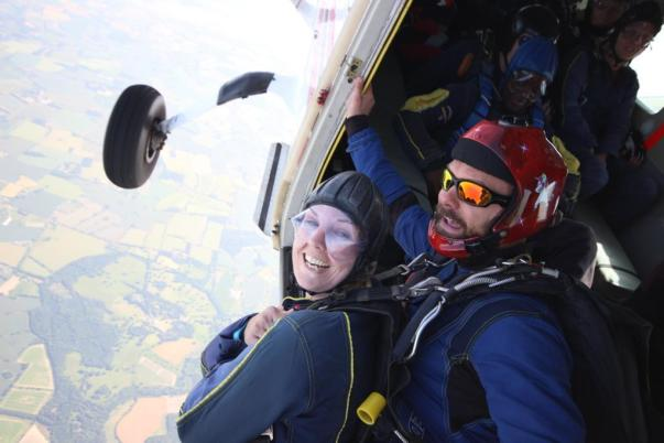 Daredevil Amy jumps out of plane to raise money for hospice