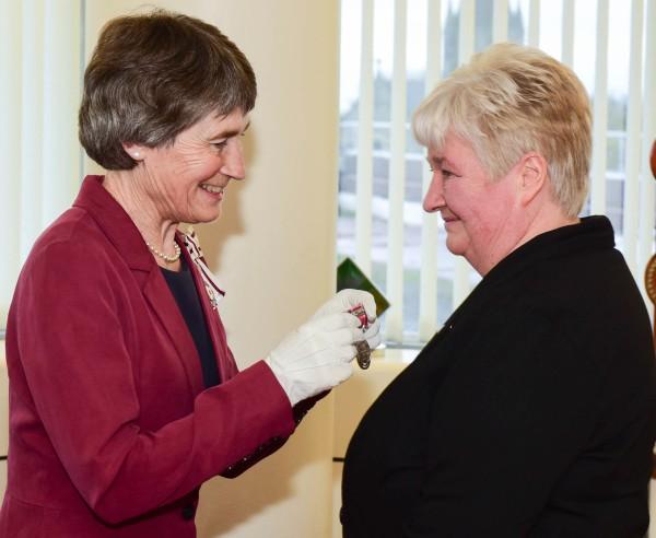 Maureen receives her award