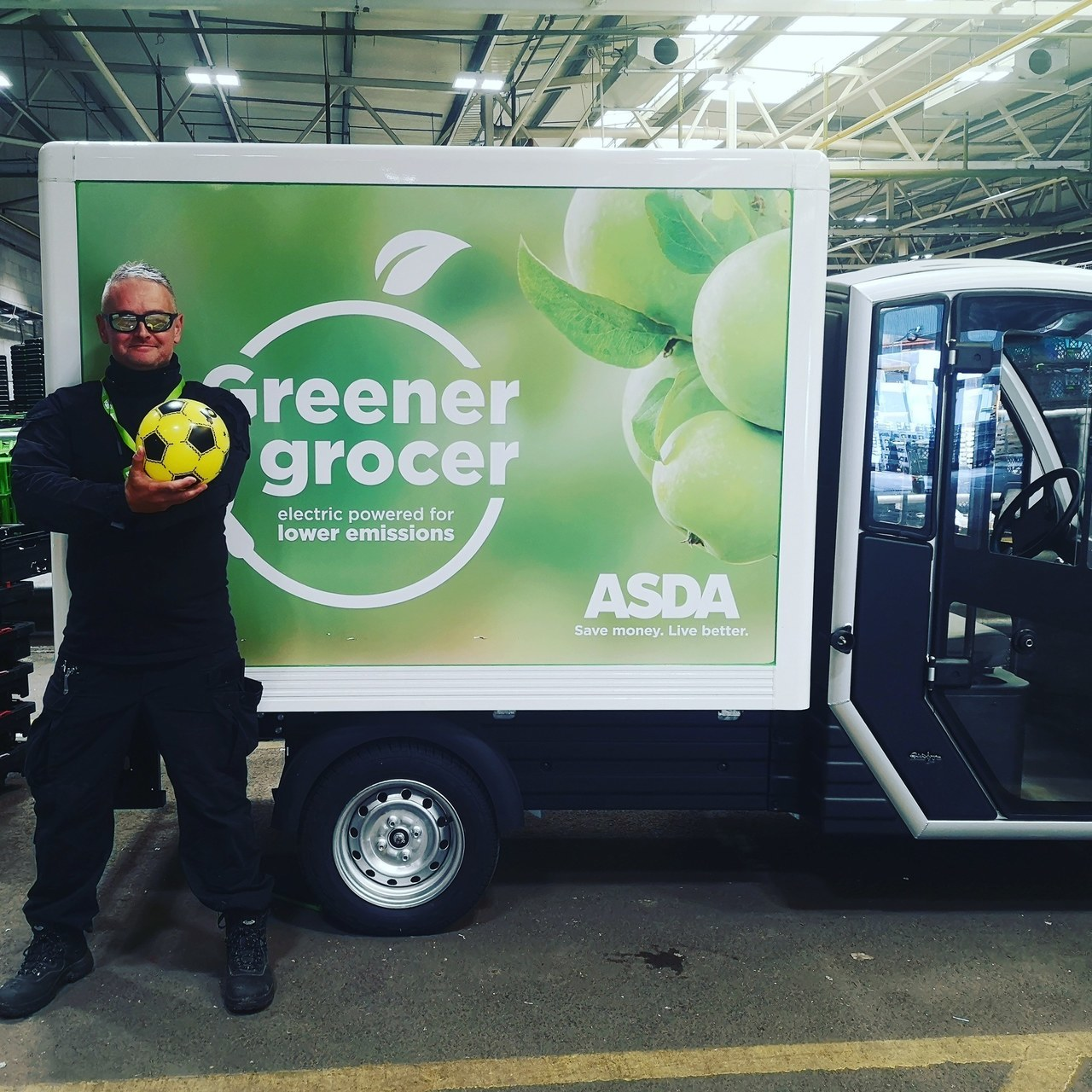 Delivery driver Damian's on the ball | Asda West Swindon