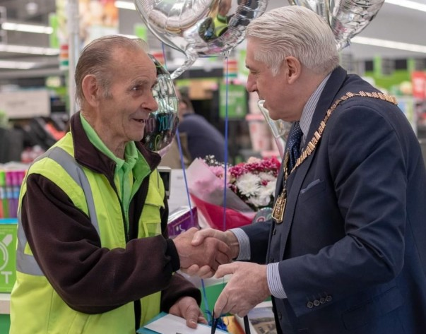Mayor of Bexley Brian Bishop wishes Alan Mansfield a happy 80th birthday