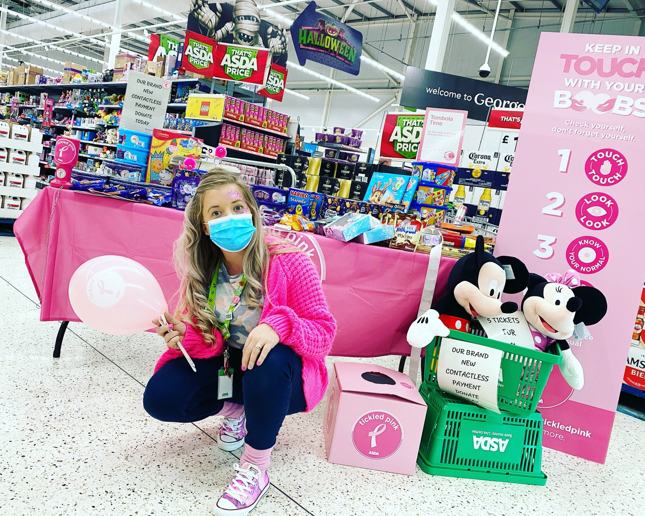 Tickled Pink tombola time | Asda Rugby