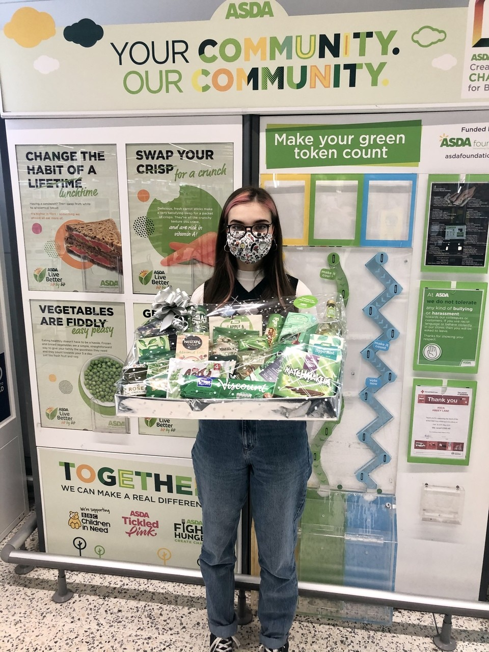 Helping the Leicestershire and Rutland Wildlife Trust   Asda Leicester Abbey Lane