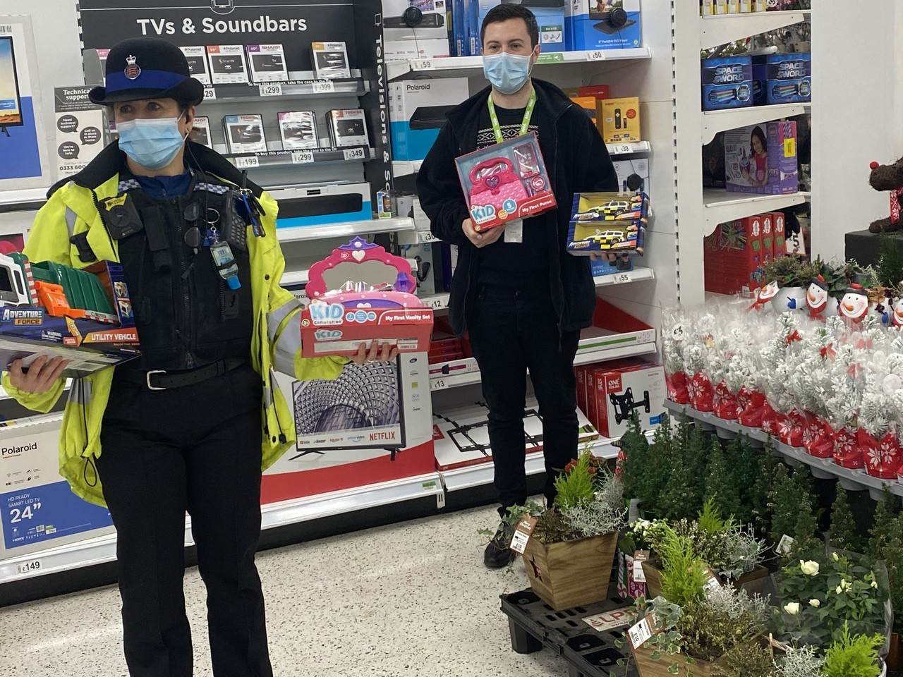 Essex Police donation 🎄🎅🏼🎄 | Asda Chelmsford