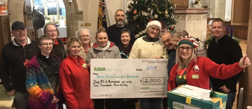 Pwllheli food bank surprise cheque