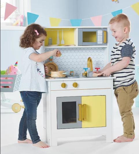 Wooden toys 2019 - foldaway kitchen