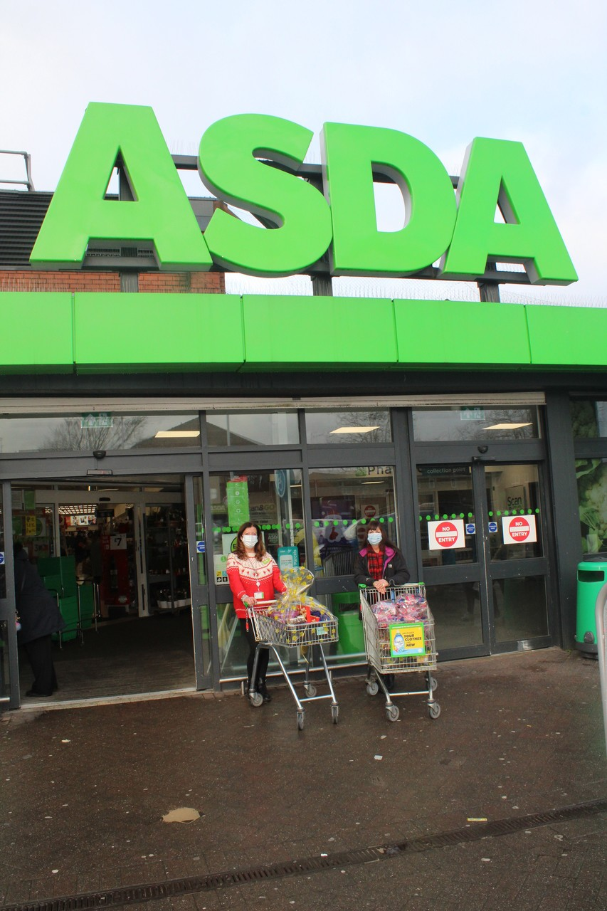 Bolton Burnden Park and Farnworth donate hampers to the Tonge Moor Carers. | Asda Bolton