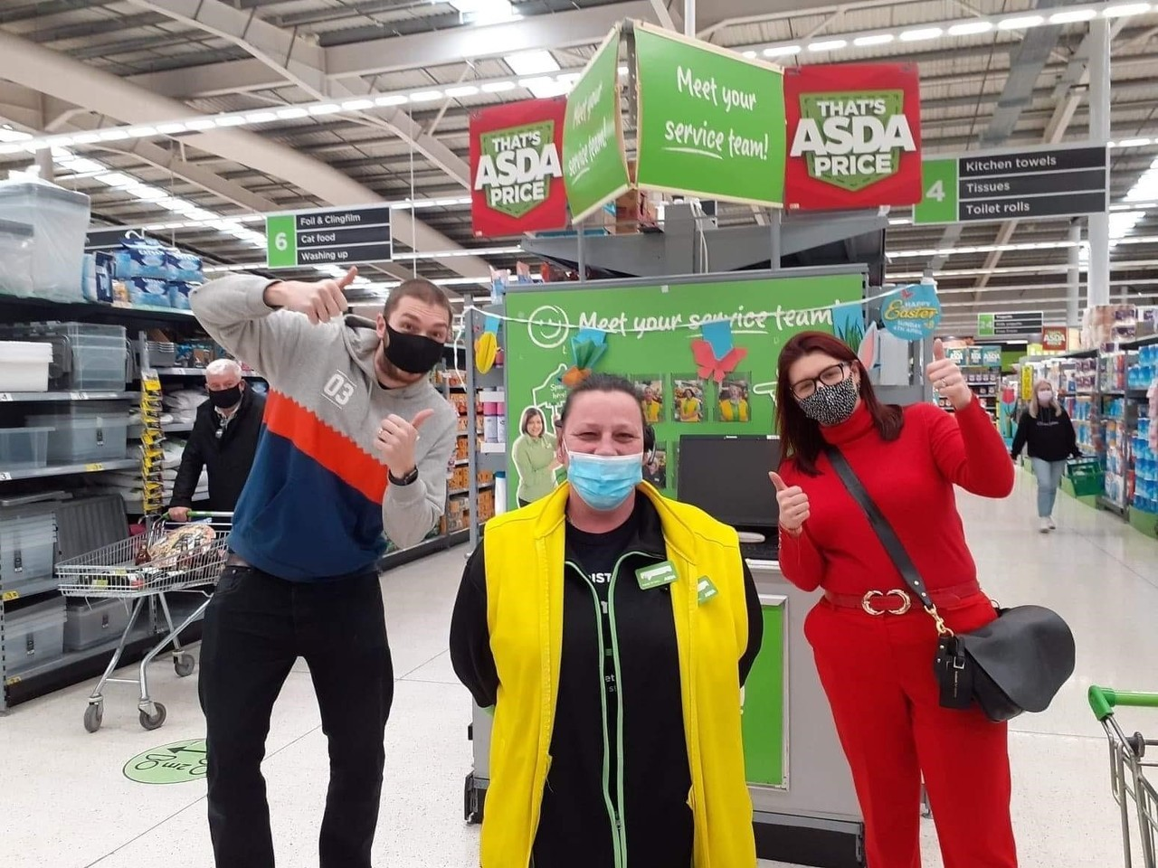 LadBaby pose for selfies with colleagues | Asda Long Eaton
