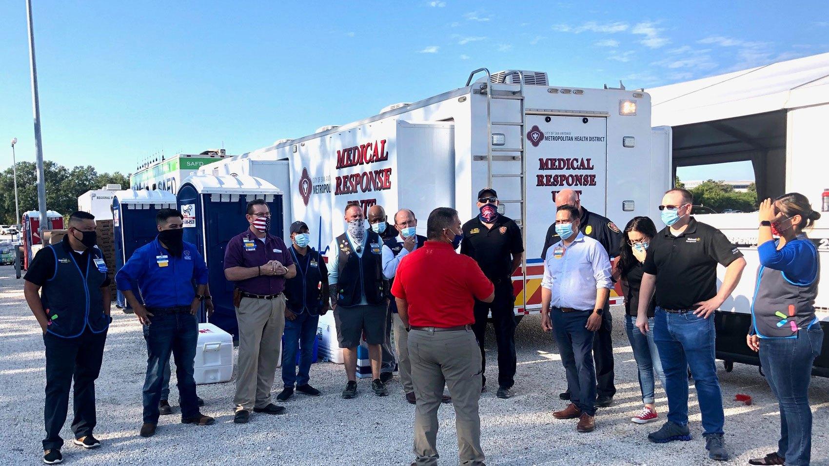 Disaster Response/walmart-associates-at-san-antonio-shelter.jpg