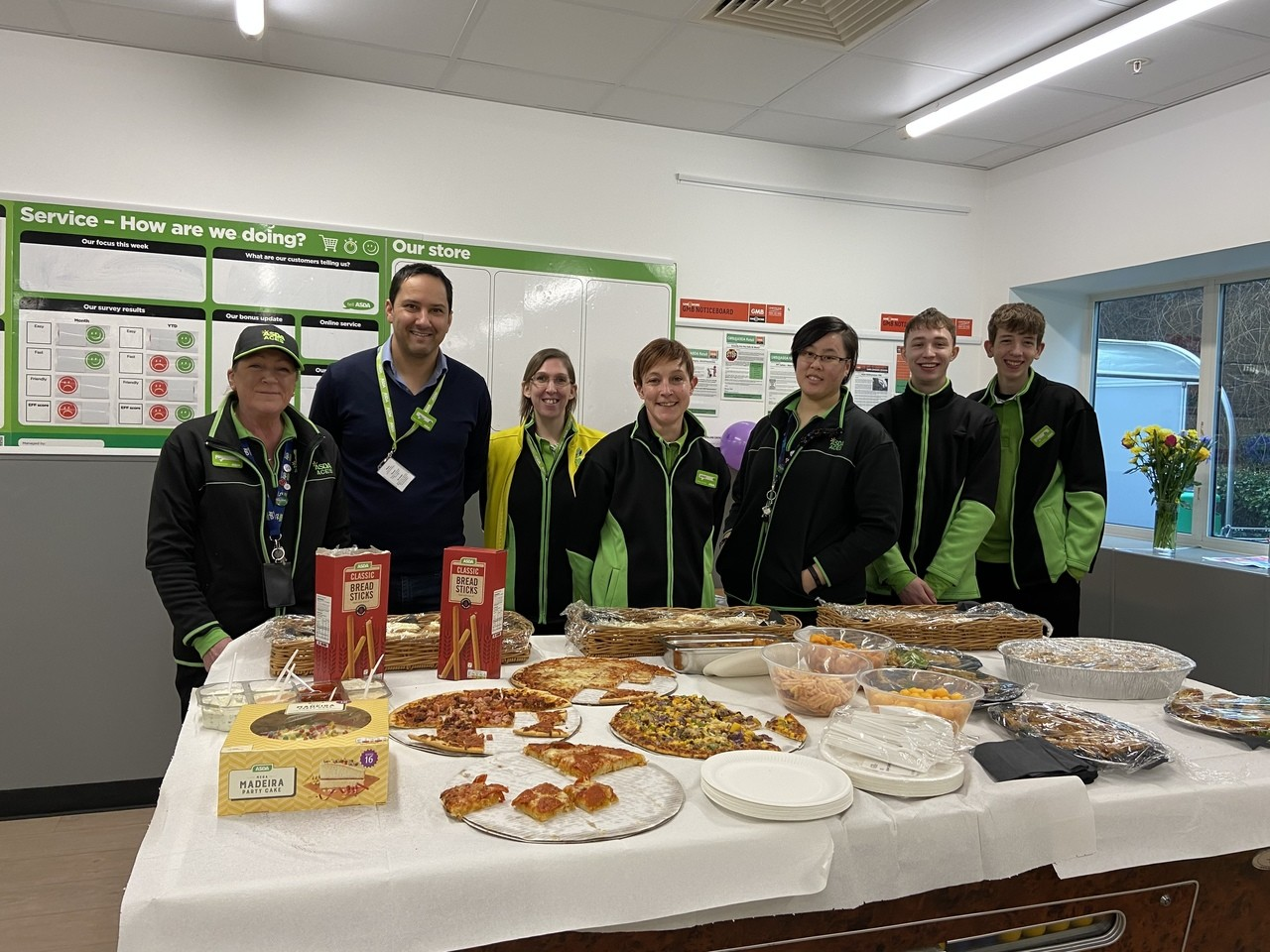 Saying thank you to the Asda Aces | Asda Biggleswade