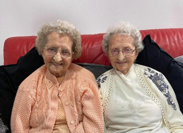 Tipton Twins Doris and Lil share their timeless cooking tips with Asda
