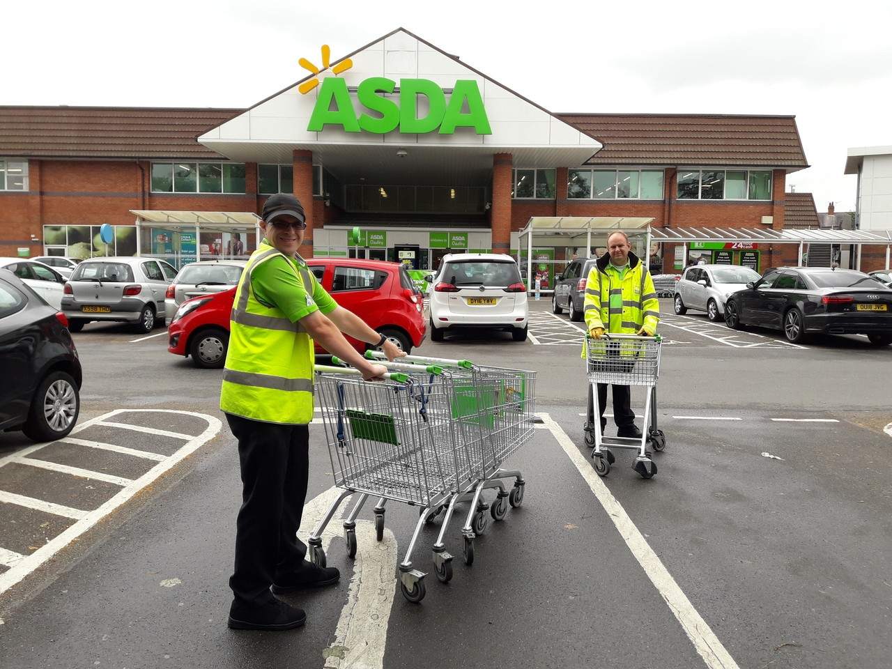 Our porters doing a great job | Asda Oadby