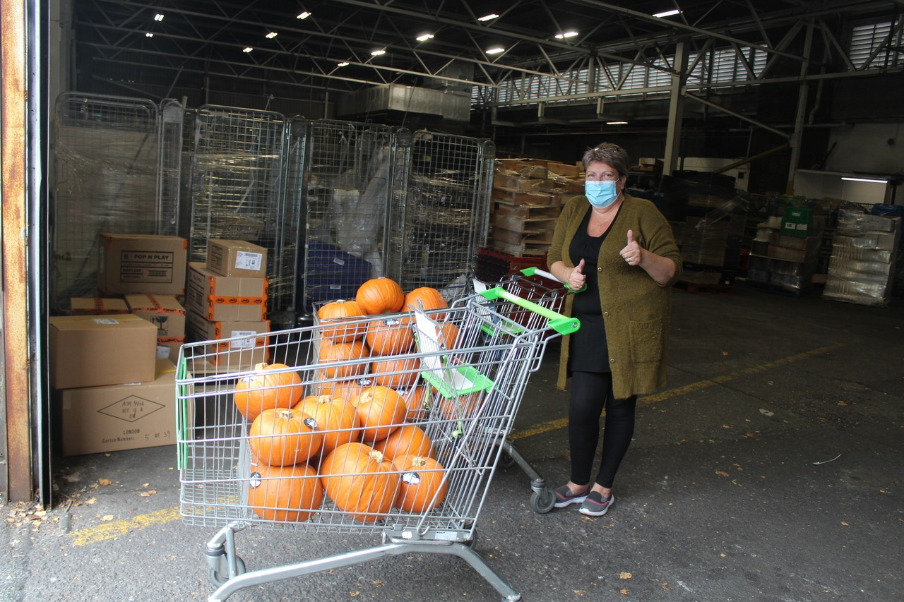 Bolton store donates pumpkins to 'Young Un's for Oldhams'. | Asda Bolton