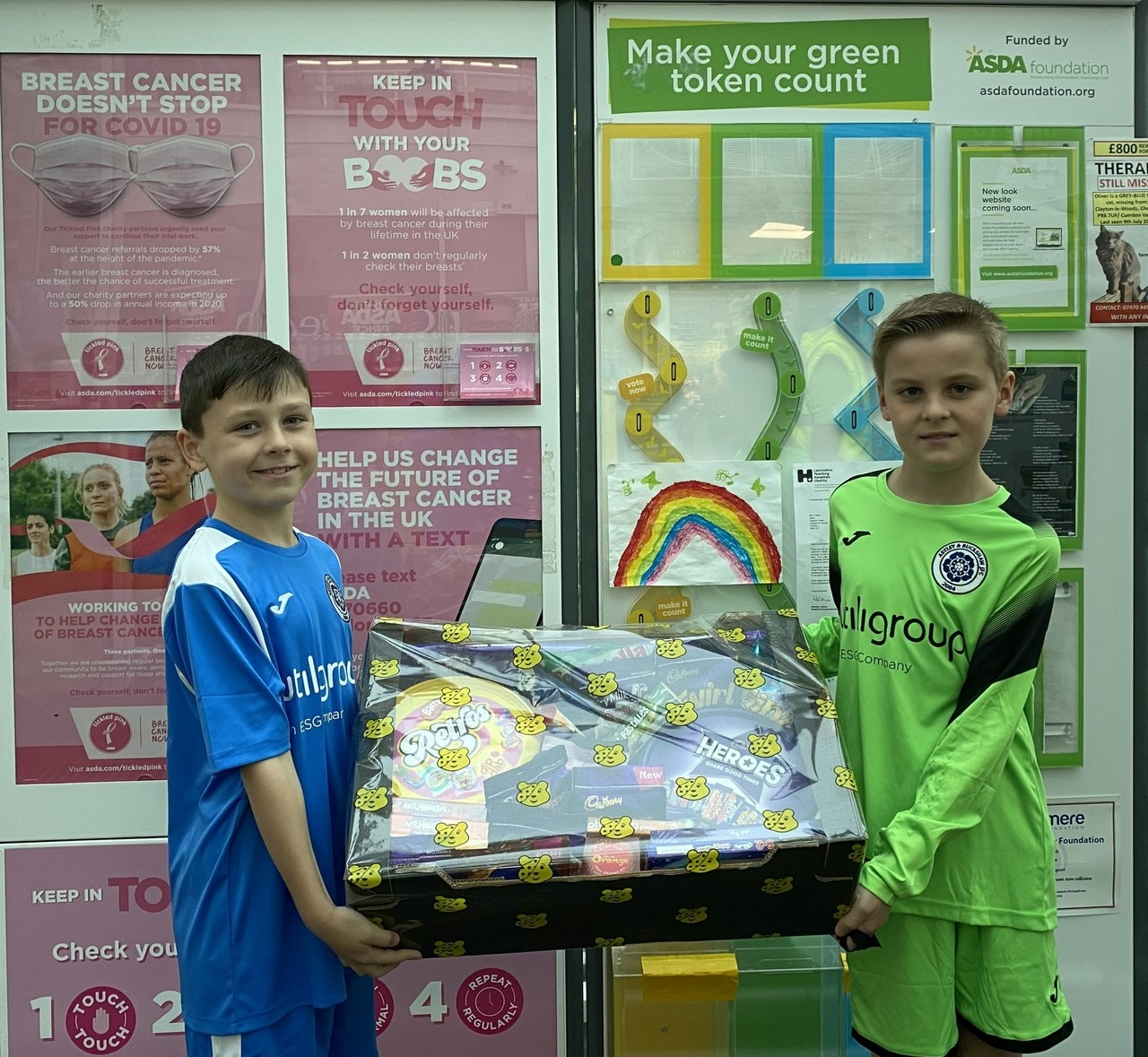 Raffle prize off to Astley and Buckshaw under 11s Blues  | Asda Clayton Green