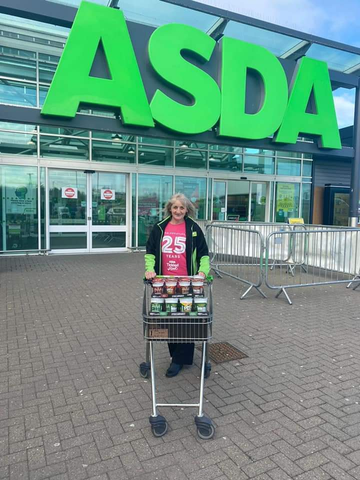 Aberdeen Street Helpers came to collect our donation this morning. | Asda Dyce