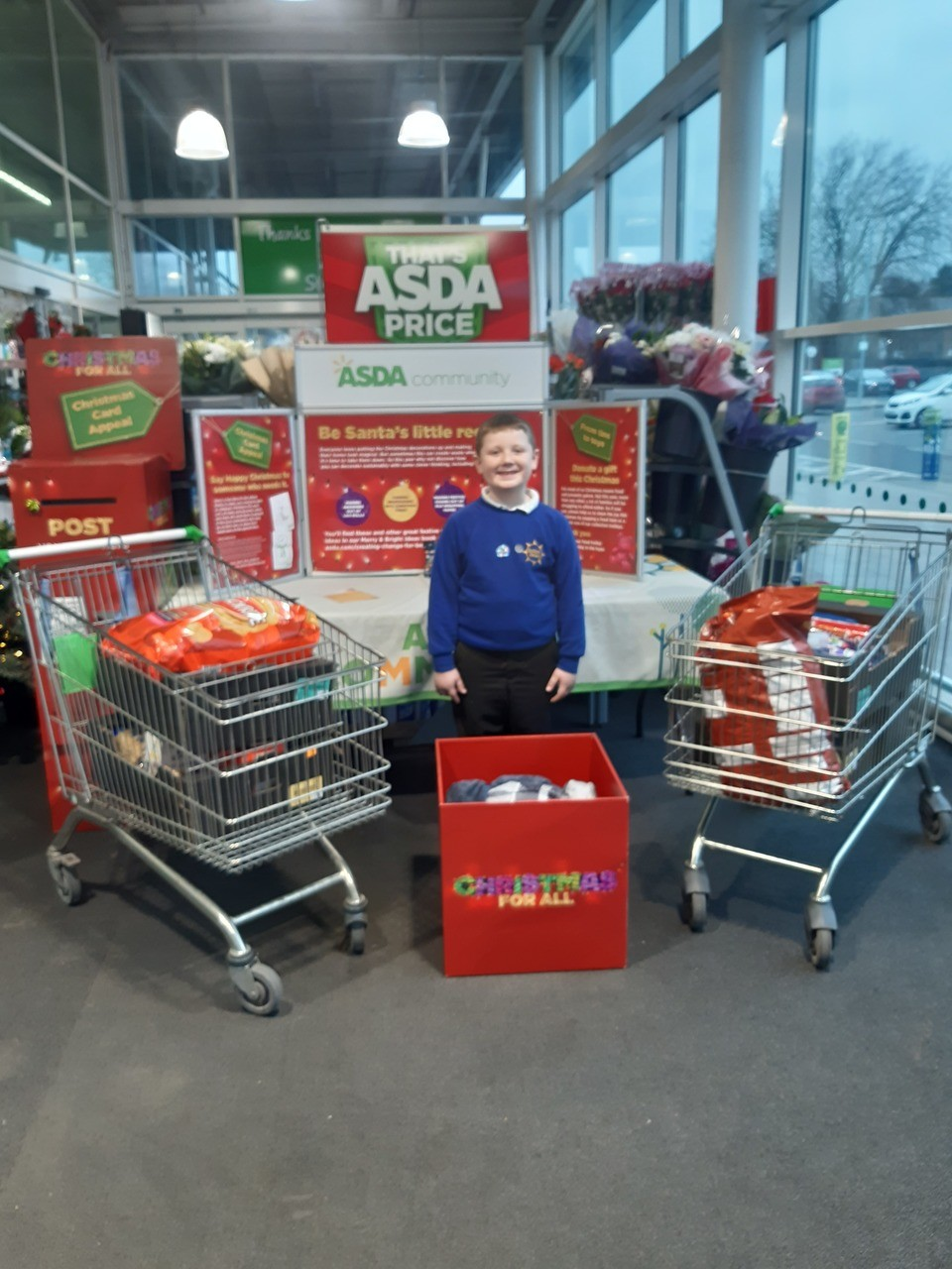Archie lends a helping hand | Asda Ipswich Stoke Park