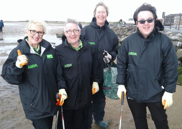 Asda colleagues litter pick on West Kirby beach