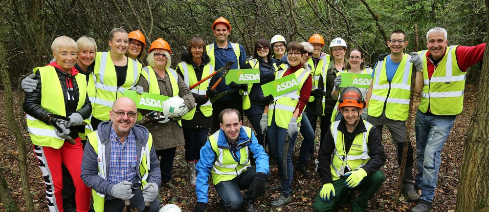 Asda colleagues clear litter near Stevenage