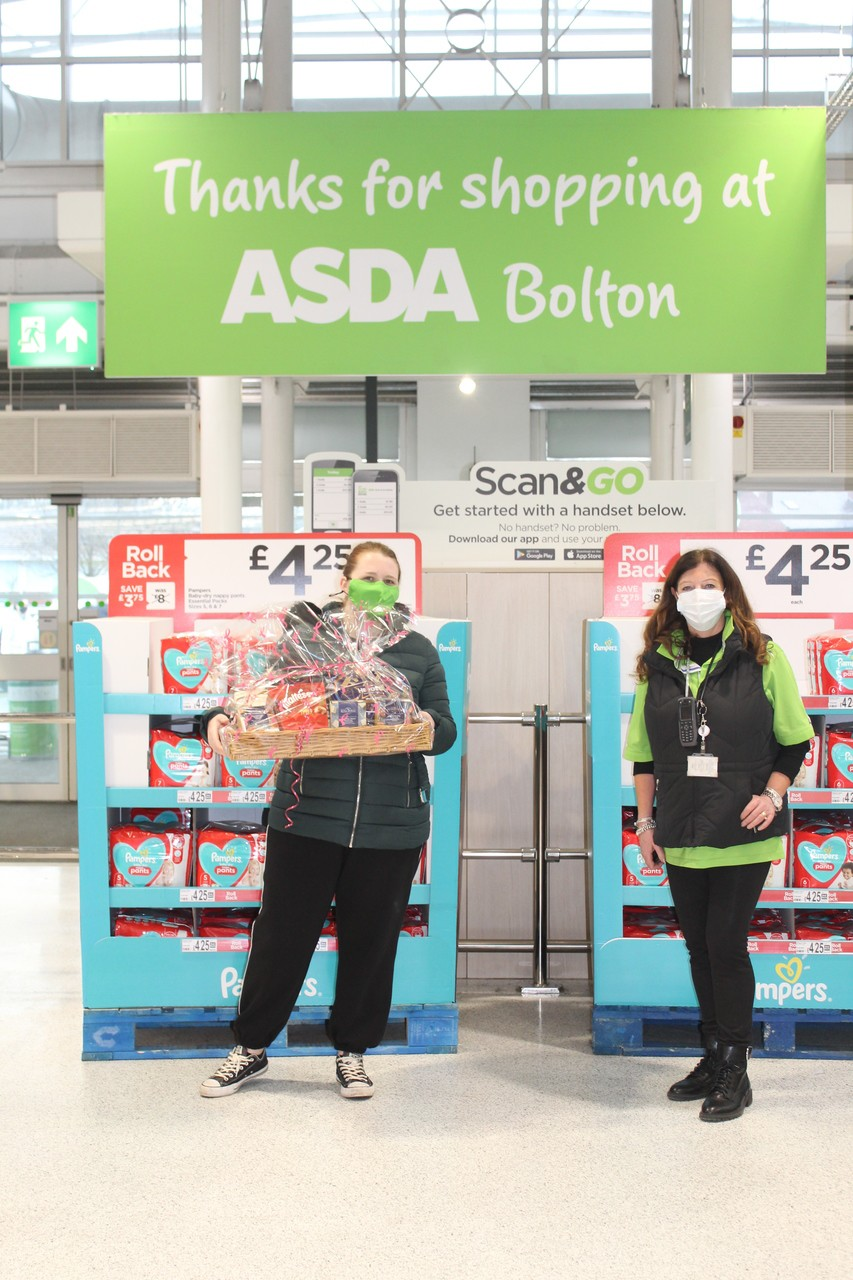Bolton store donates chocolates to Old Vicarage residential home. | Asda Bolton