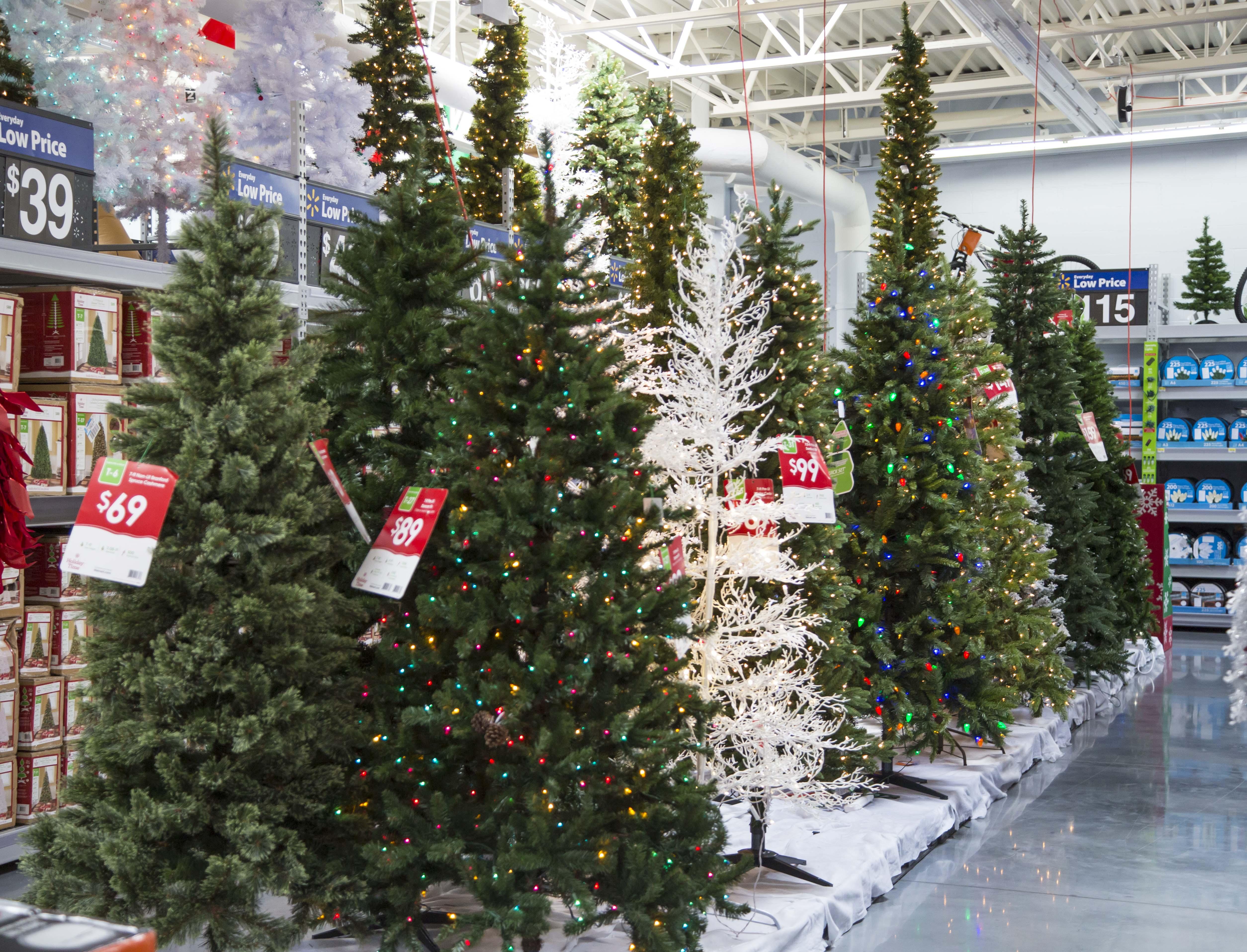 B-roll: Walmart Holiday 2014