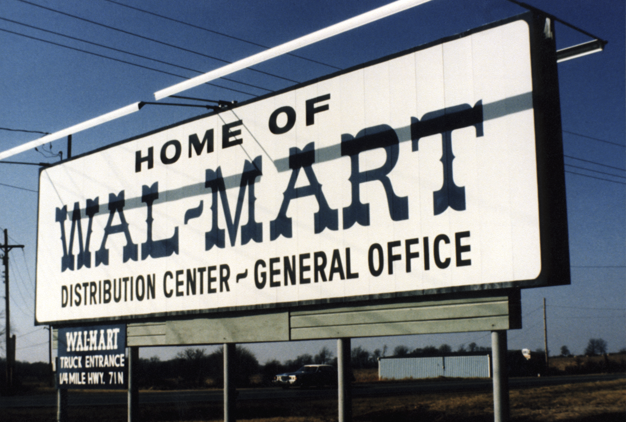 "an introduction to the history of wal mart Wal-mart ceo doug mcmillon and jetcom founder marc lore  he says he's  been ""struck by wal-mart's maniacal focus"" over its storied 54-year history  ( he's thinking of recording another set of personalized introductions)."