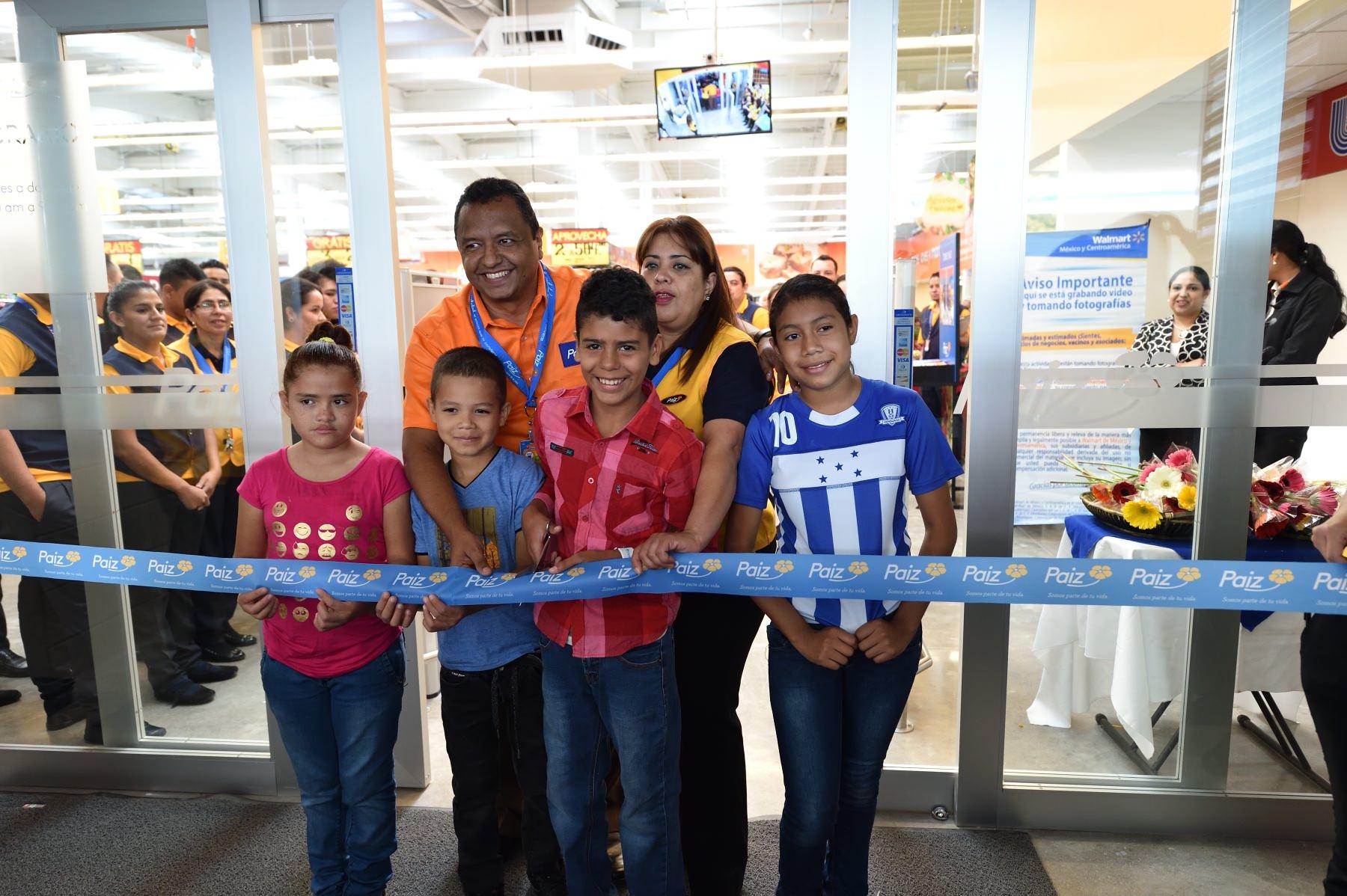 Corte de cinta de Paiz América en Honduras